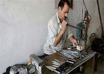 وقتی یک مصوبه نان صنعت چاقوی زنجان را برید/ از دست رفتن 90 درصد بازار چاقو