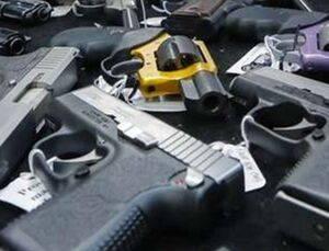 کشف  40 قبضه سلاح کلت کمری با مارک USA
