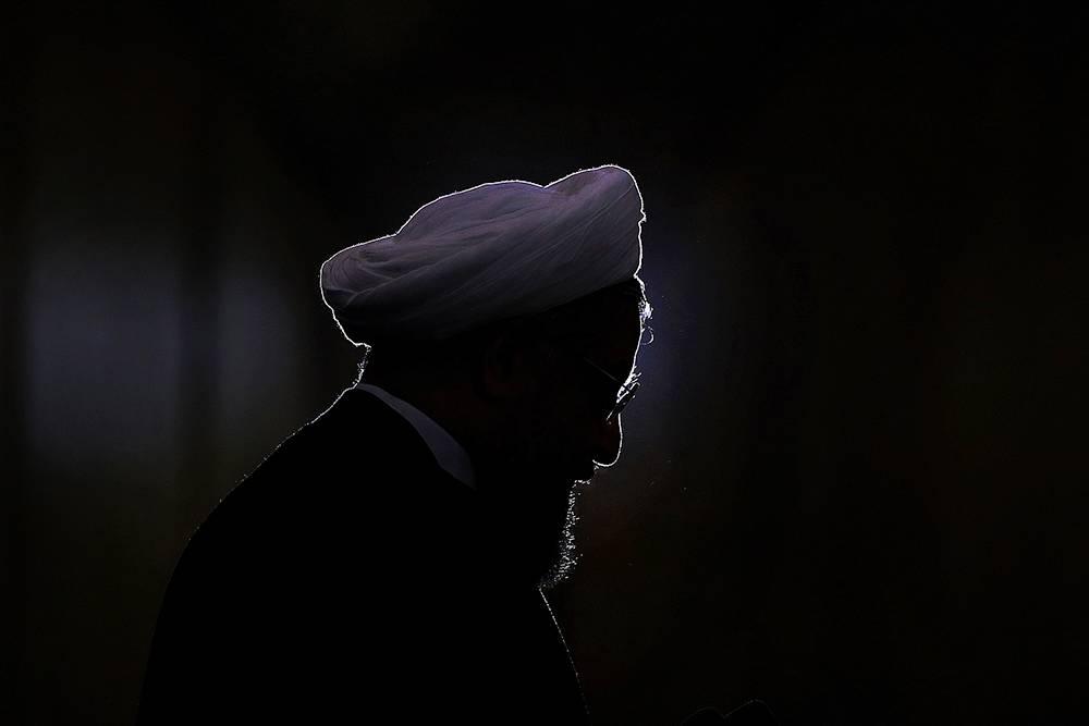 حاشیه اظهارات عجیب آقای رئیس جمهور/ امتیازدهی روحانی از تهران به تیم آمریکا در وین!