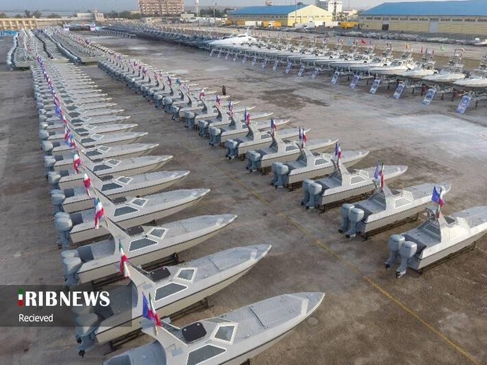 تحول مهم در نیروی دریایی سپاه/ جهش بزرگ قدرت دریایی سپاه با تحویل ۴۵۰ شناور و ۲۰۰ پهپاد در سال جاری/ «سریعترین شناور جهان» به موشک کروز مجهز شد +عکس