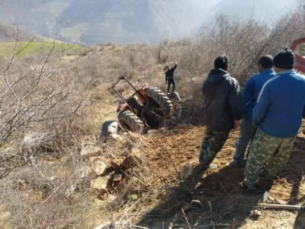 سقوط تراکتور به دره ، مرگ راننده را رقم زد+ عکس
