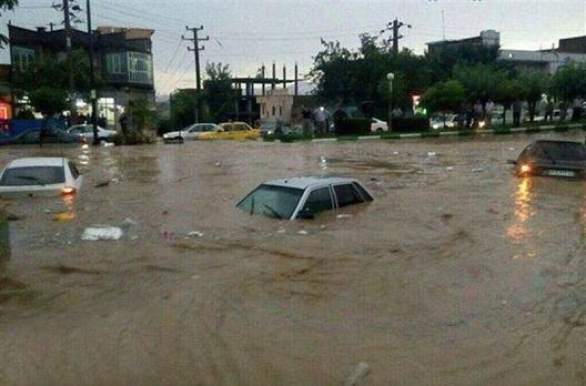 توجه توجه :سیلاب شهر پلدختر را از دسترس خارج کرد/هیچ خبری از حال روز مردم نیست